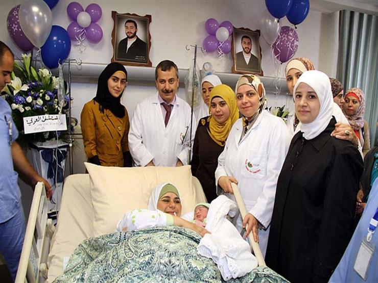 """""""تهريب النطف"""".. كيف أنجب الأسرى الفلسطينيون 65 طفلا من """"خلف القضبان""""؟"""