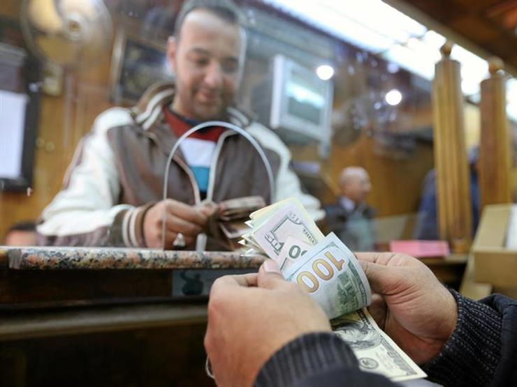 6 بنوك ترفع أسعار الدولار أمام الجنيه في نهاية التعاملات