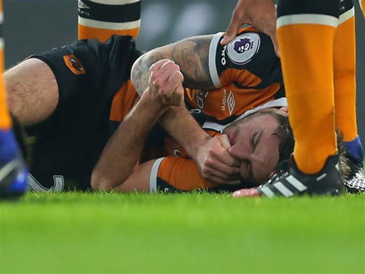 بالفيديو.. بعد محاولات التعافي لمدة عام.. لاعب إنجلترا الشاب يعلن اعتزاله بعد نصيحة الأطباء