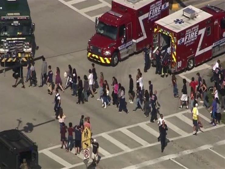 """""""الشرطة الأمريكية: مقتل وإصابة 53 شخصاً في إطلاق نار داخل مدرسة بـ""""فلوريدا"""