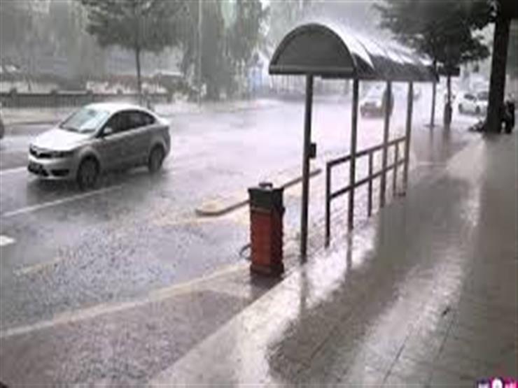 الأرصاد تحذر المواطنين من موجة سيئة تضرب البلاد السبت.. فيديو