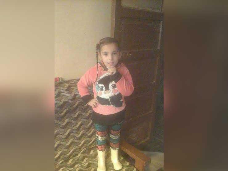 تشريح جثة الطفلة  رودينة  وحبس المتهم بقتلها 4 أيام في المنو...مصراوى