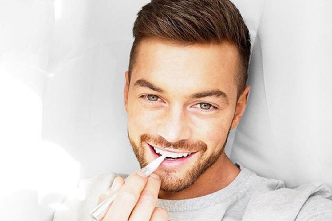 e4941e3bb فوائد وأضرار «قلم تبييض الأسنان».. 6 نصائح لاستخدامه | الكونسلتو