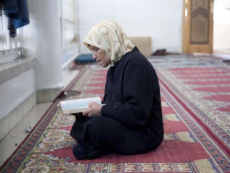 فيما يتعلق بقراءة القرآن