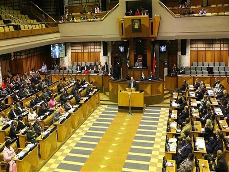 برلمان جنوب إفريقيا يجري تصويتا جديدا بحجب الثقة ضد رئيس الب...مصراوى