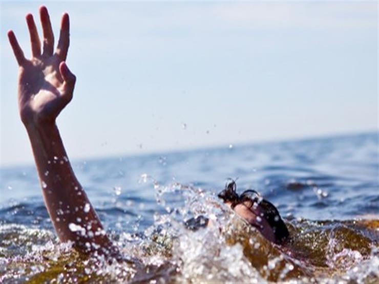 إنقاذ شاب من الغرق عقب سقوطه في قناة السويس ببورسعيد...مصراوى