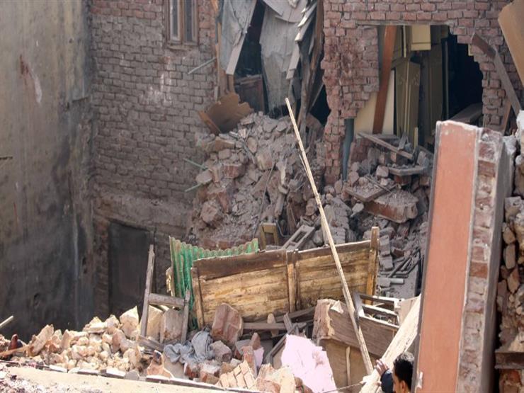 """أحد سكان عقار """"منشأة ناصر المنهار"""": الأهالي أبلغوا الحي بوجود تصدعات في المبنى"""