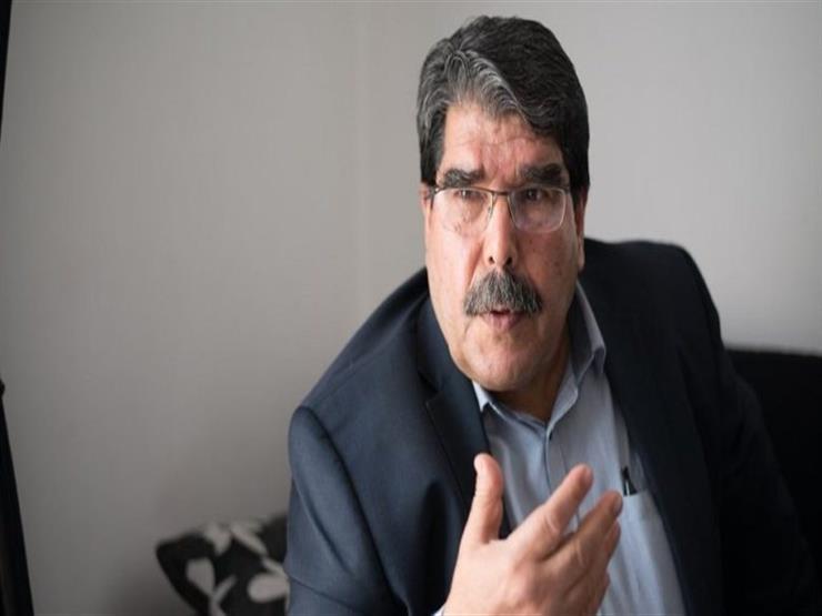 200 متظاهر في التشيك يطالبون بالإفراج عن زعيم كردي سوري