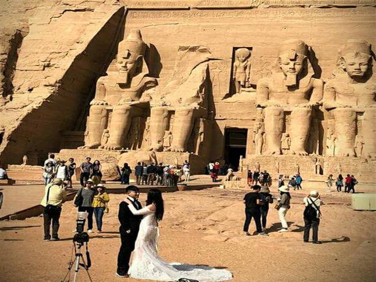 أبو سمبل، المعبد الكبير، تقطيع التماثيل العملاقة