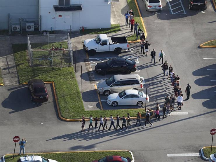 بدء الدراسة في مدرسة فلوريدا بـ17 ثانية حدادًا على ضحايا الهجوم