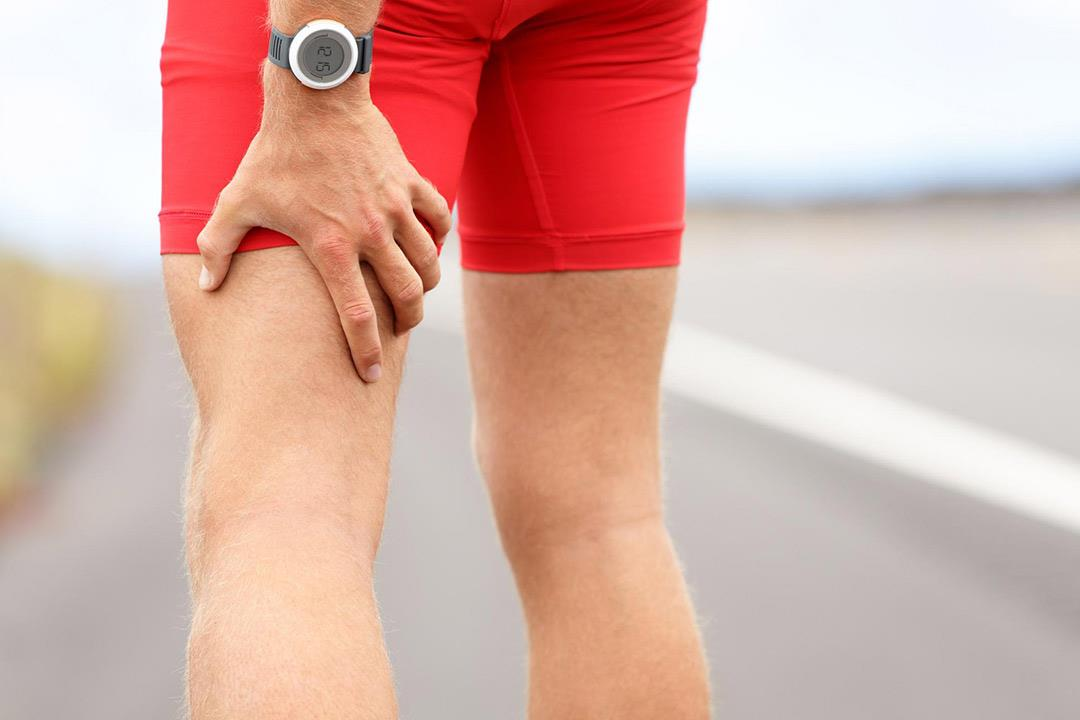 لماذا يصاب الرياضيون في العضلة الخلفية أكثر من الأمامية؟
