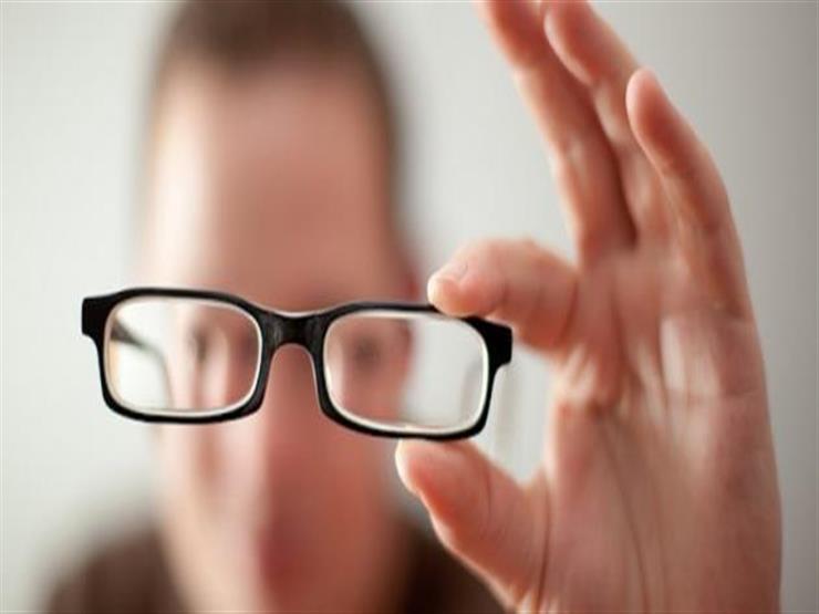 بقاء الطفل داخل غرفة مغلقة لفترة طويلة يؤثر على بصره