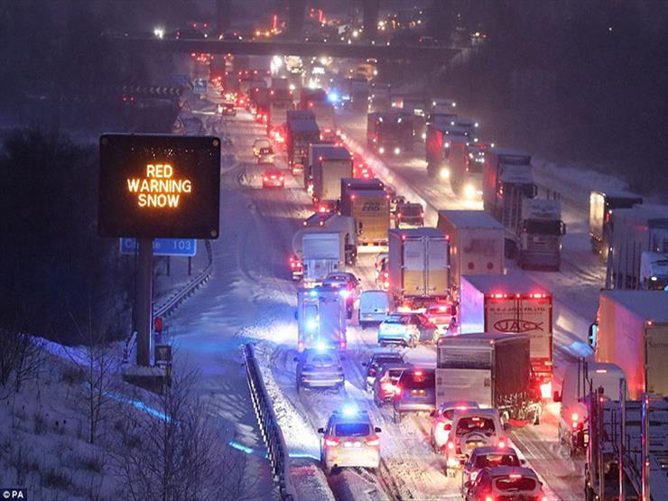 إعلان حالة الطوارىء في جنوب غرب بريطانيا بسبب الطقس السيء
