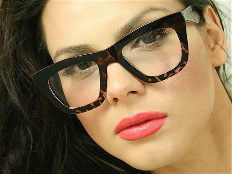 6747ad88e النظارات السميكة تجعل الوجه النحيف أكثر انسجاما | مصراوى