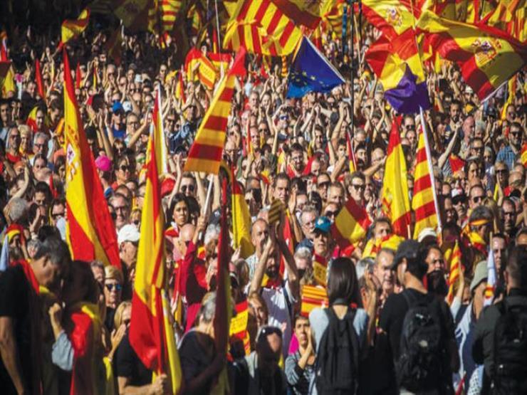 """الآلاف يتظاهرون في برشلونة تحت شعار """"الجمهورية الآن"""""""