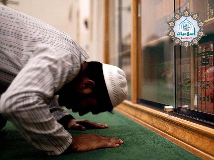 """4 أحكام لسجود السهو في الصلاة.. تعرف عليها من """"البحوث الإسلامية"""""""