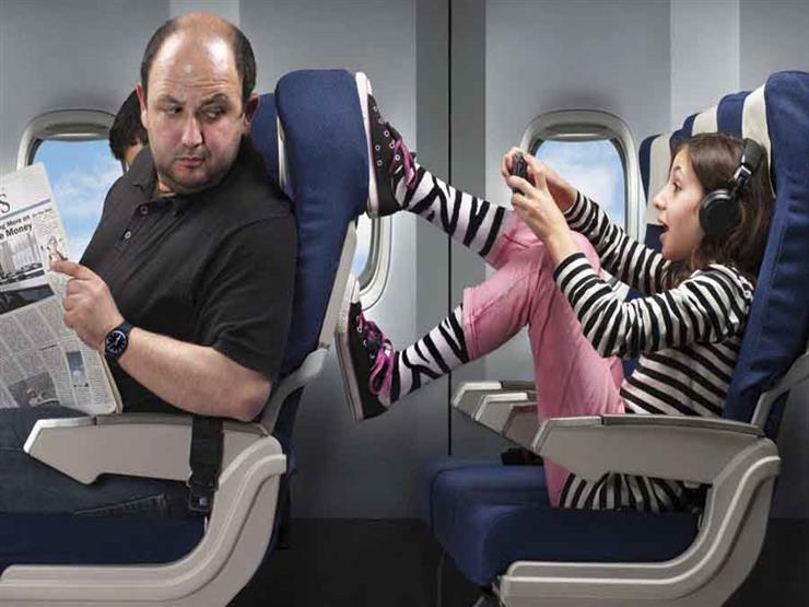 أغرب تصرفات لركاب الطائرات.. منها أم تنسى طفلها