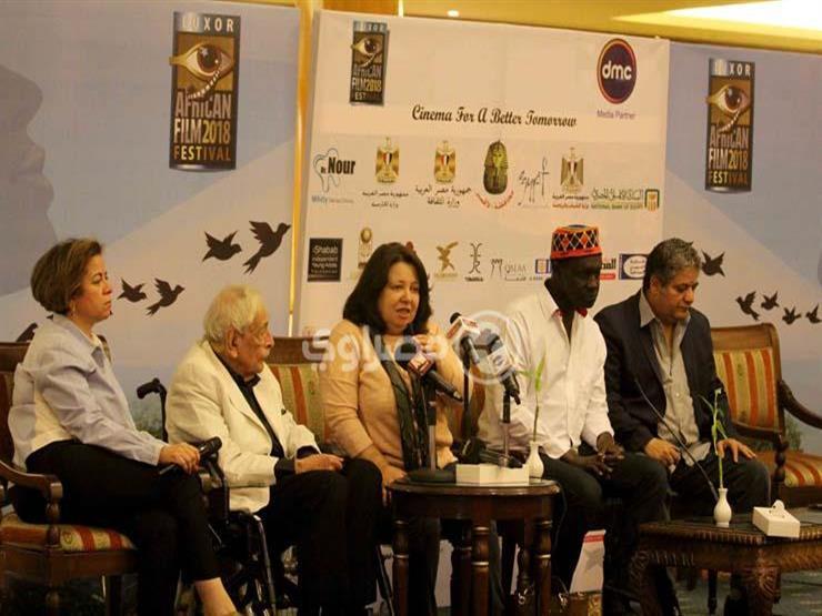 """بالفيديو- مديرة مهرجان الأقصر السينمائي تكشف لـ""""مصراوي"""" أسباب تأخر حفل الافتتاح"""
