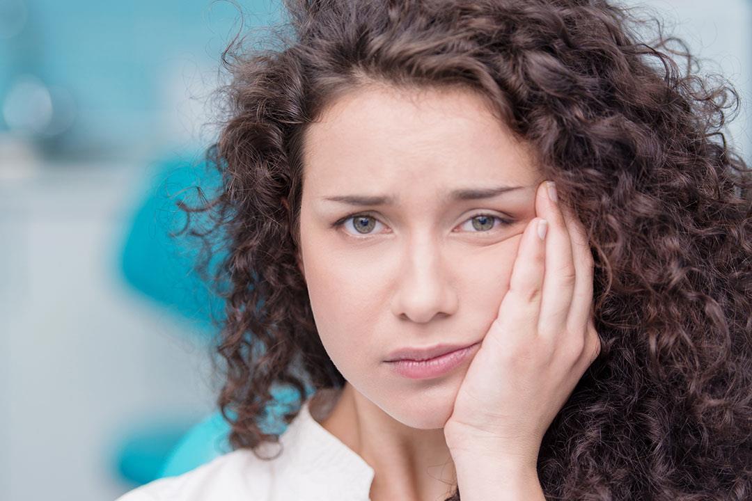 هل تؤدي أمراض اللثة للإصابة بالأزمات القلبية؟