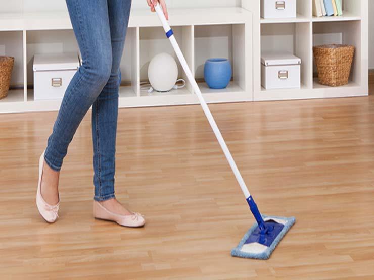 """""""تعرفي على الطريقة الصحيحة لتنظيف """"الباركيه"""