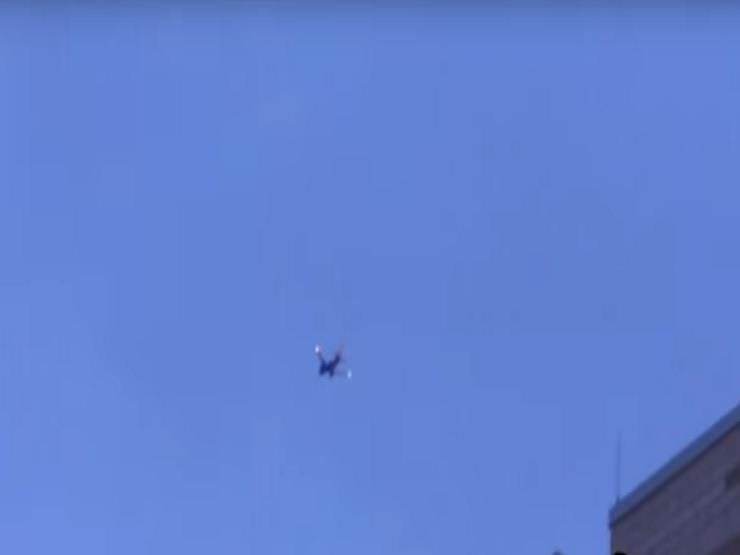 بالفيديو.. النيران تشتعل بطائرة ركاب أمريكية في الجو