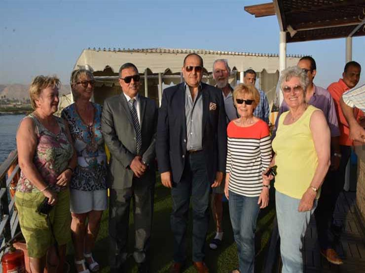 اصطدام فندق عائم يحمل 37 سائحًا ألمانيًا بجزيرة نيلية في سوه...مصراوى