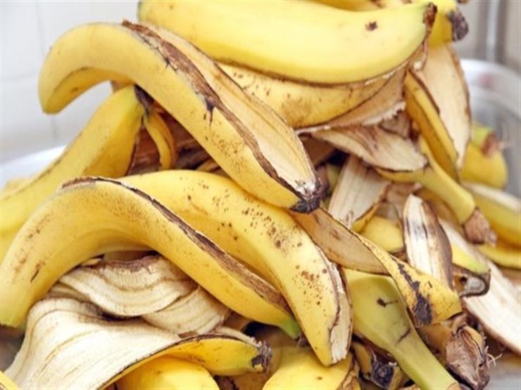 """""""العناية بالبشرة وتتبيل اللحوم"""".. 10 فوائد غريبة لقشر الموز"""