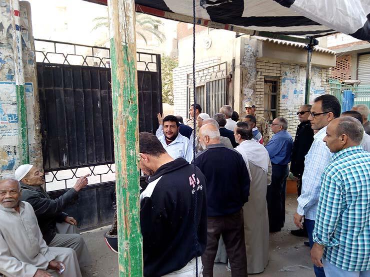 حكمدار القاهرة يتفقد الخدمات الأمنية بمحيط المقار الانتخابية