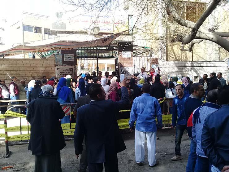 وزير الداخلية يتابع مع مديرو الأمن والقوات بالشوارع تأمينات الانتخابات الرئاسية