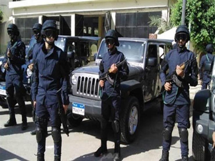 تشديد الإجراءات الأمنية أمام مقار اللجان الانتخابية بعد انتهاء التصويت في اليوم الأول