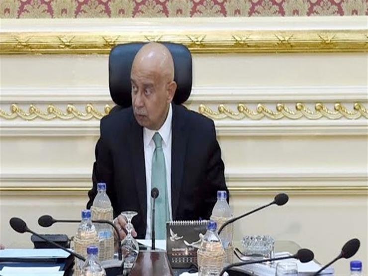 رئيس الحكومة يتسلم الموازنة العامة من وزير المالية