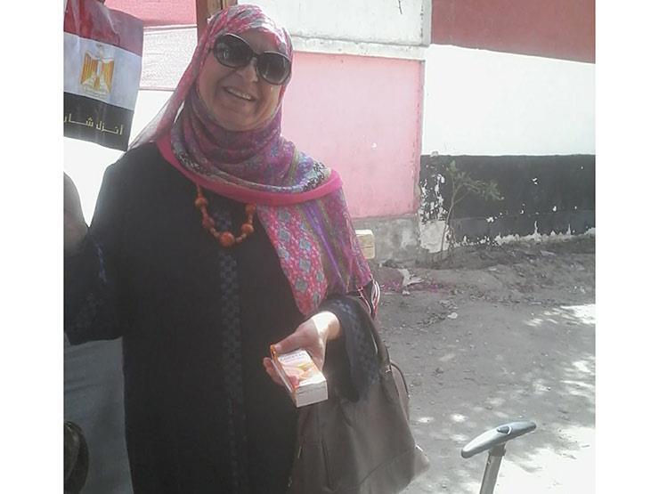 لماذا انتخبت سيدة مصرية حمدين ومرسي ثم السيسي؟