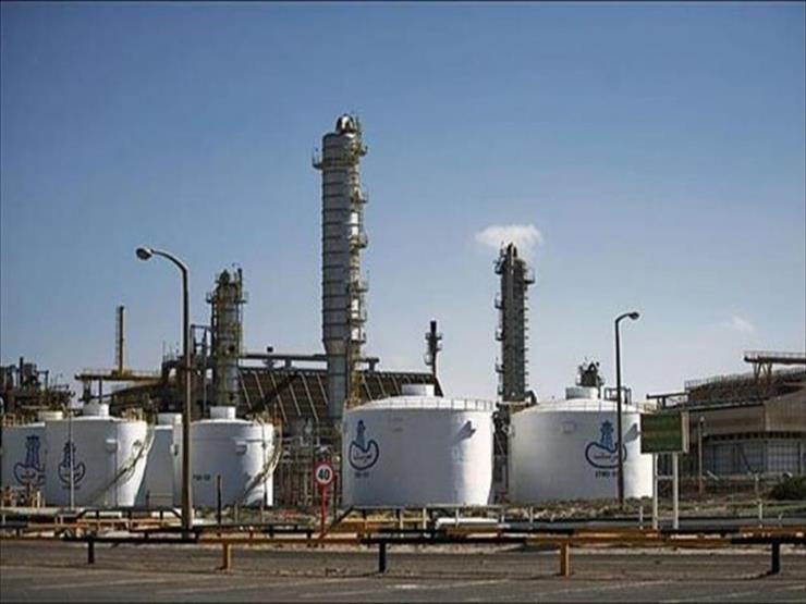 """بلومبرج: توقف إنتاج النفط بحقل """"الشرارة"""" الليبي بعد إغلاق خط أنابيب"""