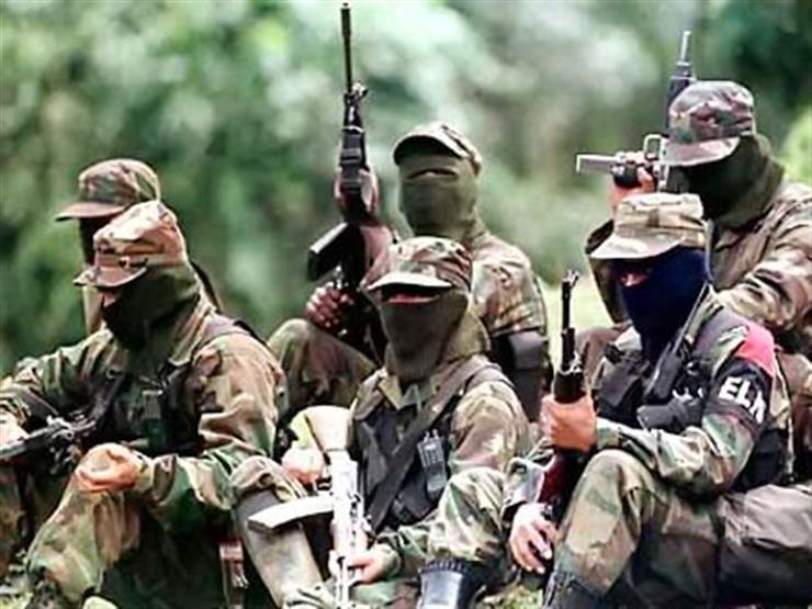 الجيش الكولومبي يقصف معسكرًا للمتمردين ويقتل عشرة مسلحين