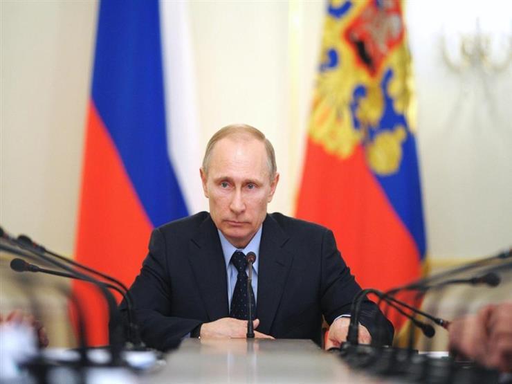 """بوتين يشيد بـ""""مزايا القيادة"""" لدى النساء في اليوم العالمي للمرأة"""