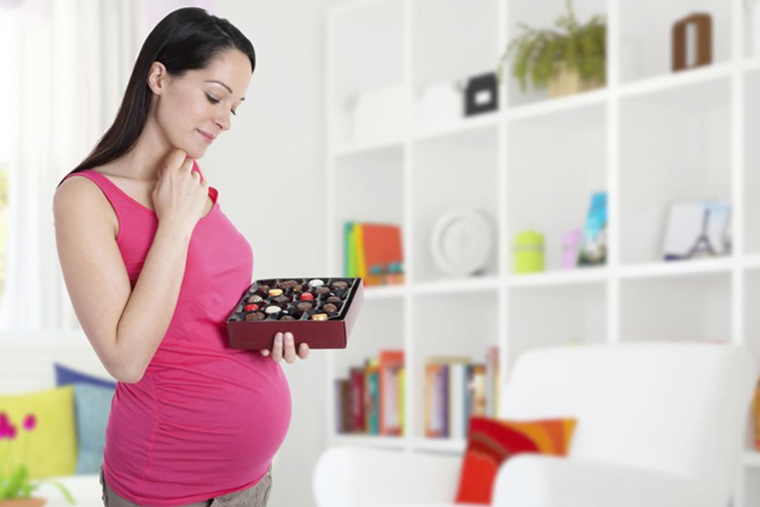 حقيقة العلاقة بين «وحم الحامل» و «وحمة الطفل».. 4 طرق للعلاج