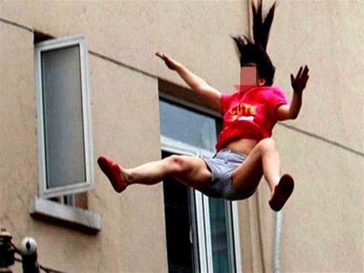 امرأة حاولت الهرب خشية الحرق فسقطت من الطابق الخامس