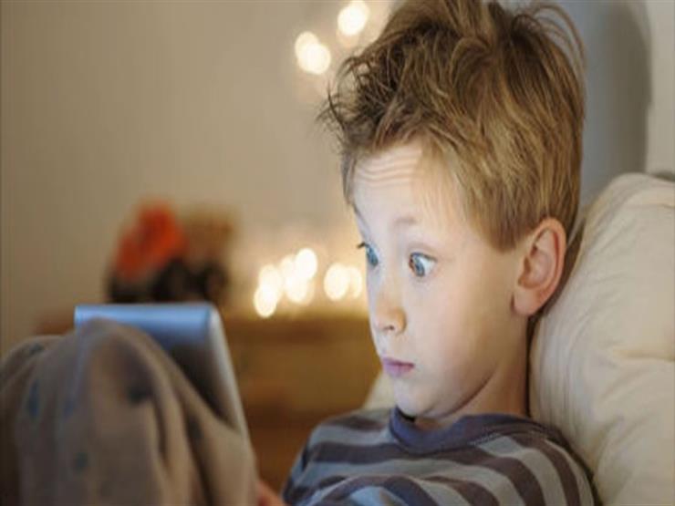 دراسة توضح علاقة الهواتف الذكية باضطرابات النوم لدى التلاميذ