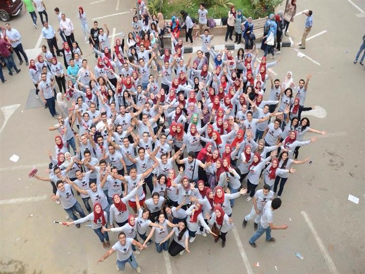 """بالفيديو- بعد عامين من التخرج.. أغنية """"خلصت أيام كليتنا"""" تجمع صيادلة جامعة القاهرة"""