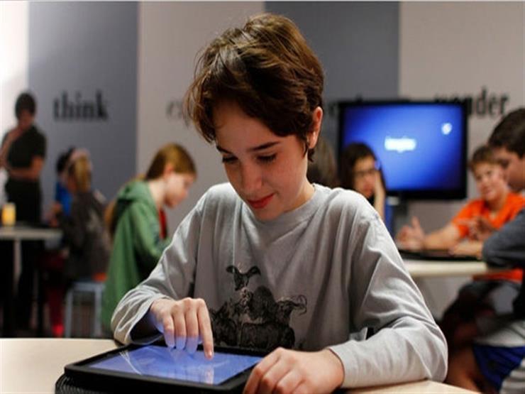 """""""تابلت وباقات انترنت لطلاب المدارس"""".. وزير التعليم: """"بنحاول نوفرها بالمجان"""""""