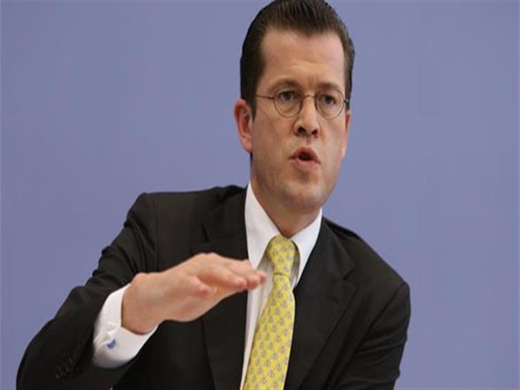 وزير الدفاع الألماني الأسبق ينتقد بشدة موقف بلاده تجاه الحرب في سوريا