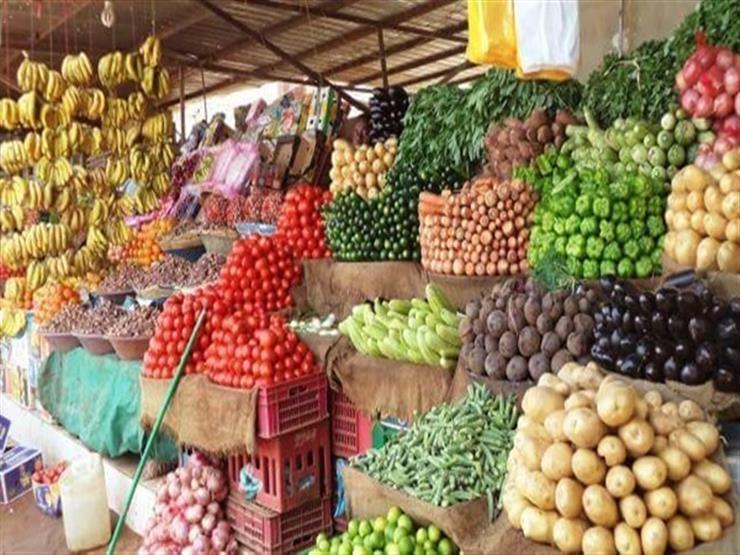 الكوسة ترتفع والفاصوليا تنخفض.. أسعار الخضر والفاكهة بسوق العبور اليوم