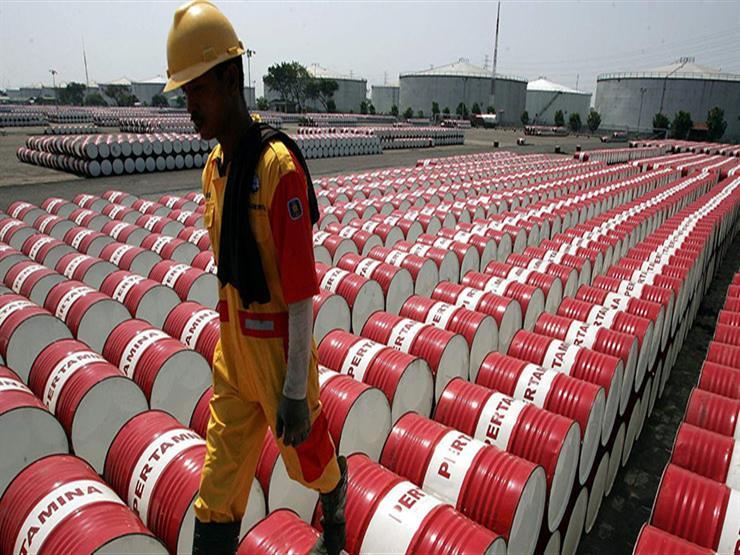 البترول يرتفع إلى 62 دولارًا بعد اتفاق على خفض الإنتاج