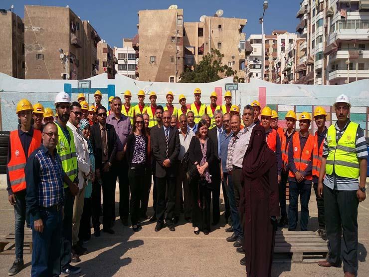 بالصور.. وفد أمريكي يزور بورسعيد لمناقشة تطوير القوى العاملة...مصراوى