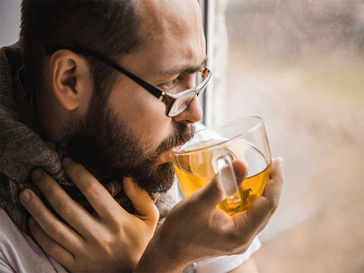 مع تقلبات الجو.. مشروبات طبيعية للوقاية من نزلات البرد