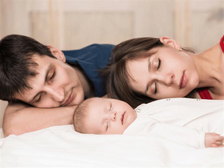 لن تتمكن من النوم في الأعوام الست الأولى لطفلك.. إليك السبب