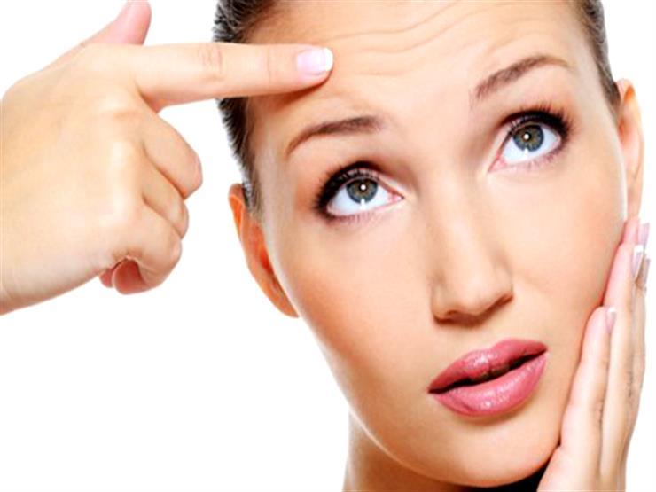 وسائل طبيعية وتمارين تساعدك في علاج تجاعيد جبهة الرأس