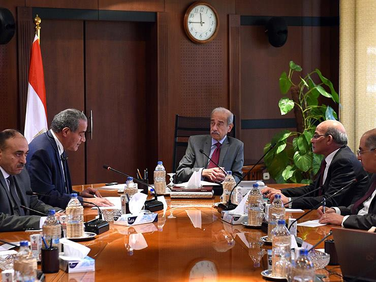 رئيس الوزراء يطمئن على مخزون السلع الاستراتيجية بمناسبة قرب رمضان