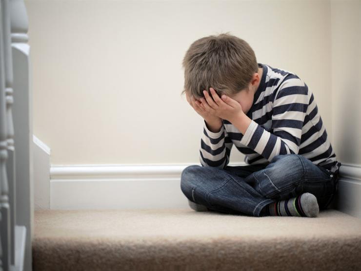 أخصائية طب نفسي توضح كيفية التعامل مع الطفل عند فقدان أحد والديه