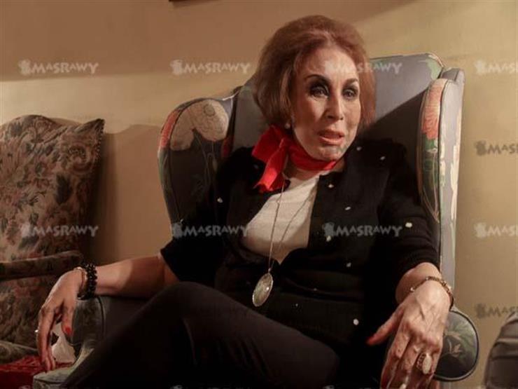"""لبنى عبدالعزيز تتحدث عن """"لعنة الفراعنة"""" بسبب هاميس وحرق الإخوان لـ """"أنا حرة"""""""